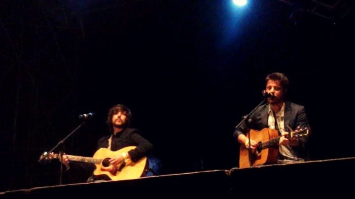 Sonohra Acoustic Trio, Chiasso